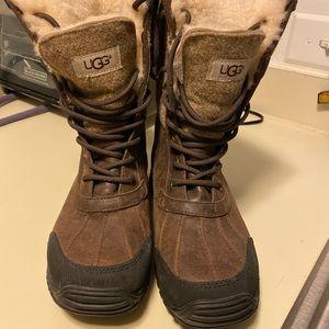 Ugg Adirondack snow boots size 8.5